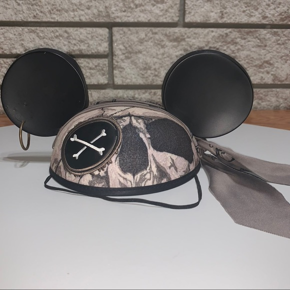 Pirates Of the Caribbean Mickey Mouse Ears Hat💀